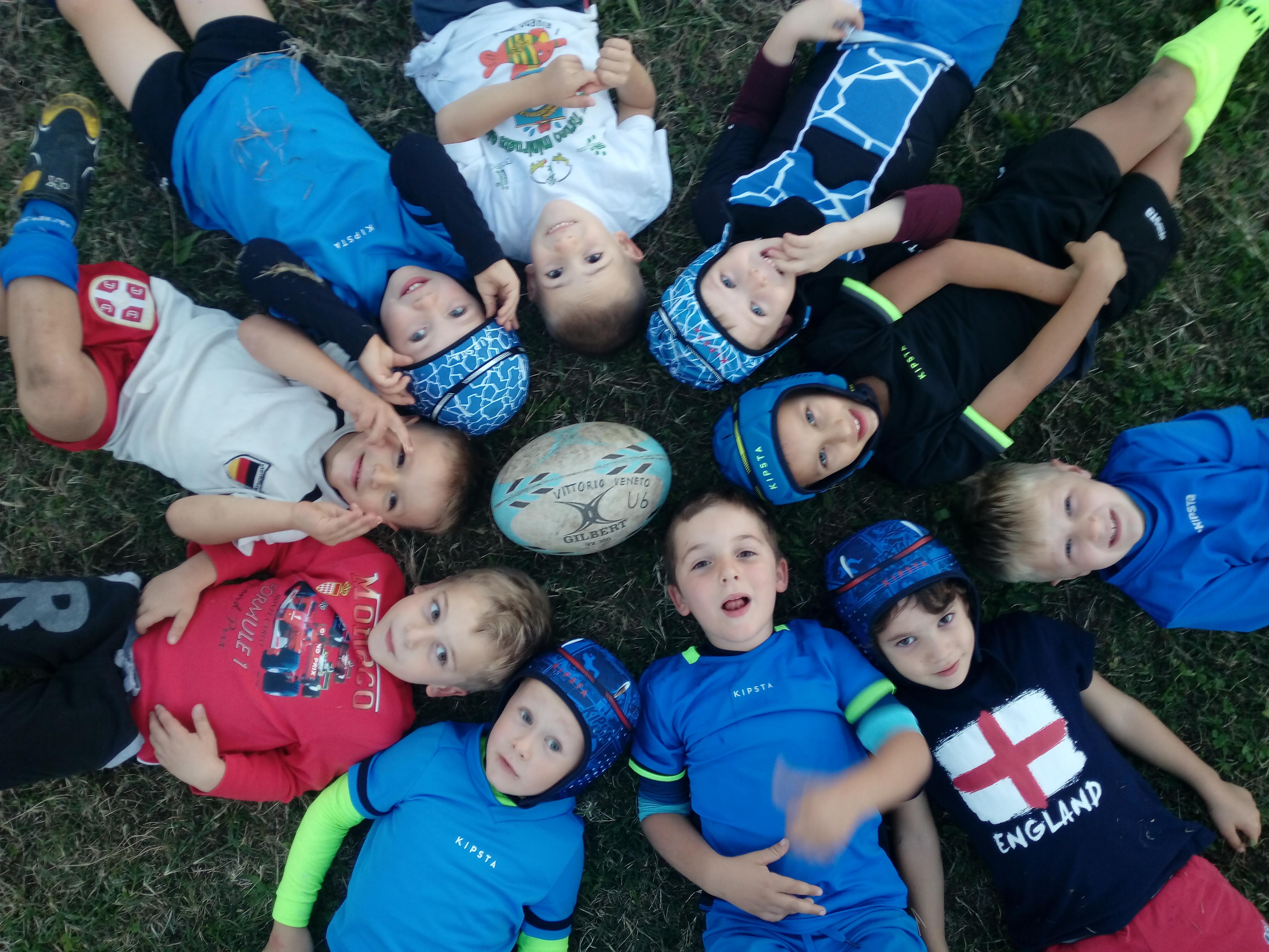 http://rugbyvittorioveneto.it/wp-content/uploads/2019/08/bocie-cerchio.jpg